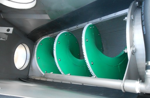 Screw Screen in Tank shown with rounded holes screen element and optional screening zone washing bar